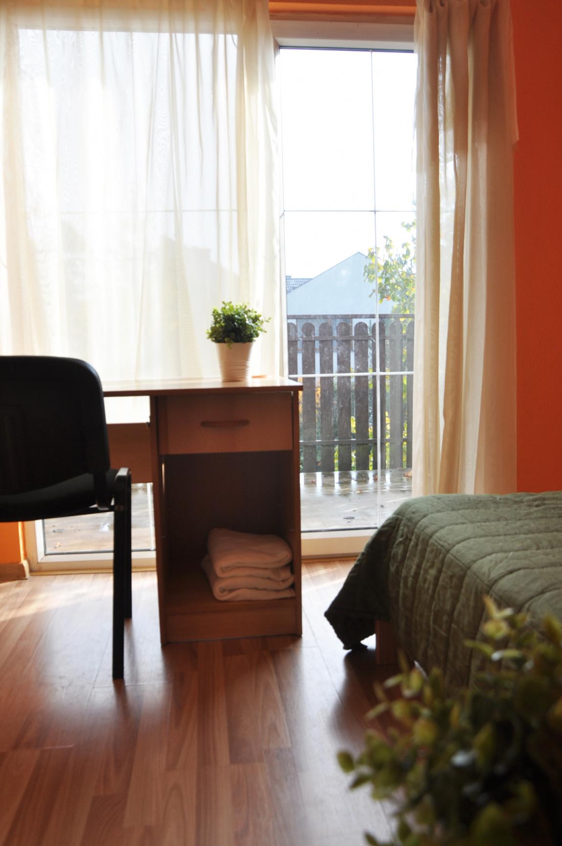(TUNE.10.3) Pokój jednoosobowy z balkonem